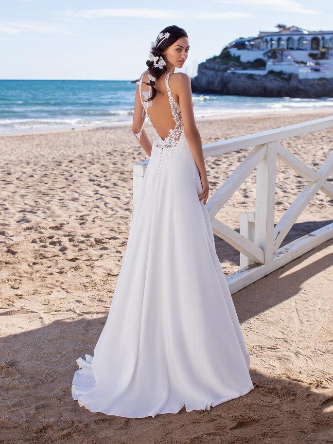 Vestido de novia cola barrida
