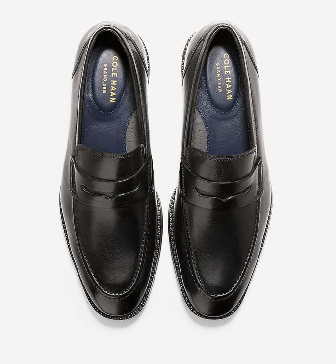 Zapatos para novio de estilo mocasín penny loafer color negro