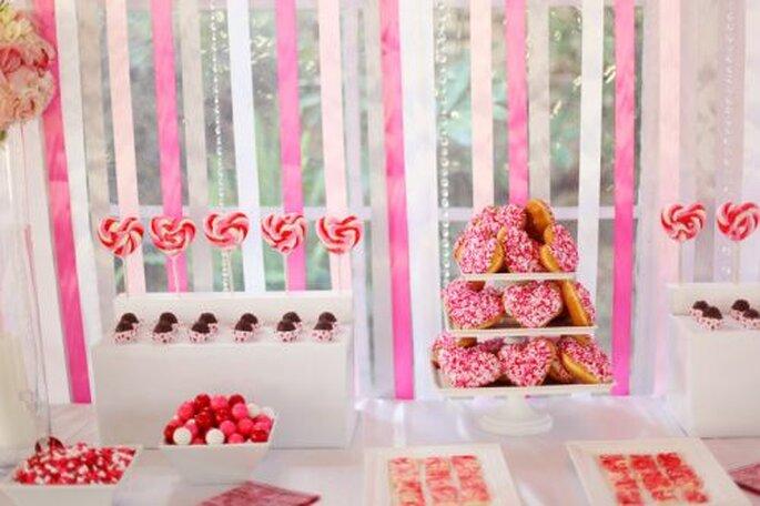 Valentine 39s Day wedding desert table via Hudsonvalleyceremoniescom