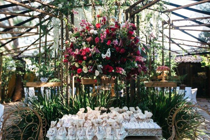 Decoração, flores, paisagismo e Aluguel de mobiliário: Rafaela Orlandini - Foto: Ricardo Jayme - Wedding & Love Photo