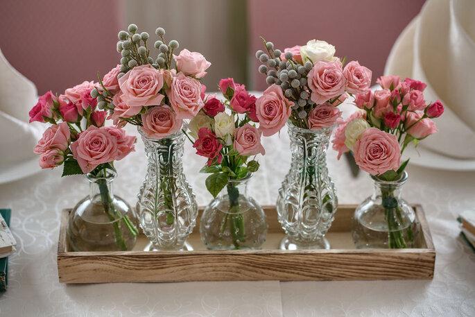 Bouquets de fleurs champêtres de décoration de mariage