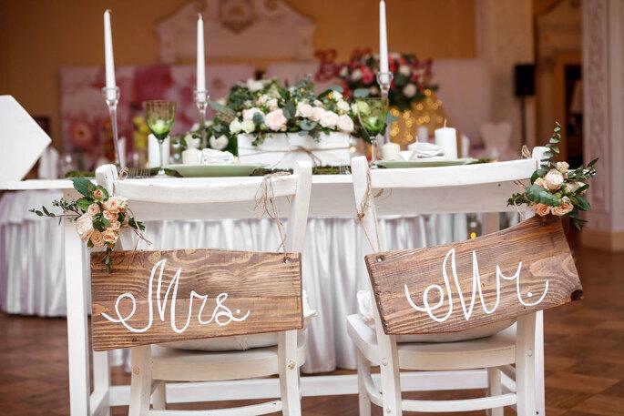 Décoration de mariage - chaises customisées