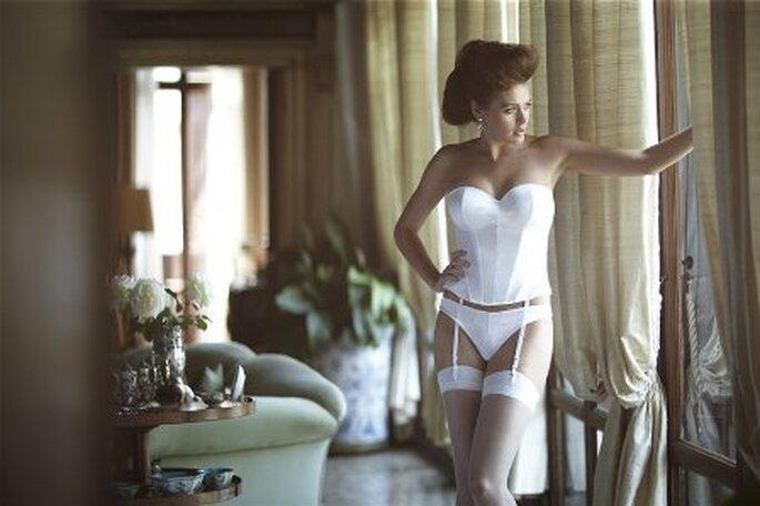 Bra-fitting para Noivas -  modelo Tiffany Basque Thong Ivory