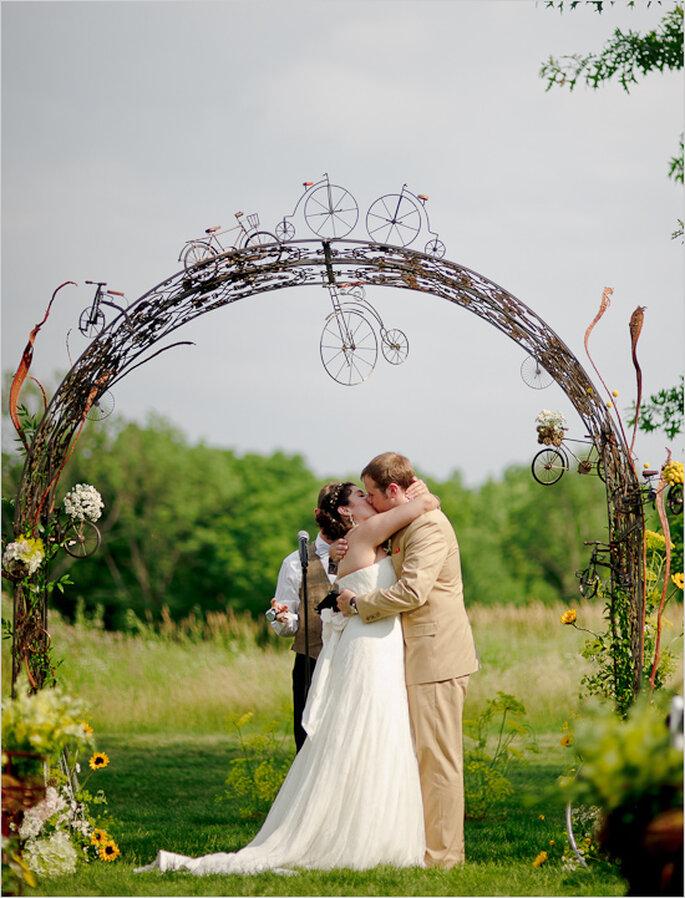 Las fotos de boda con los besos más románticos - Foto Emily Porter