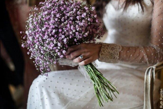 Vestido de novia con detalle de plumetí - Foto Bibiana Fierro