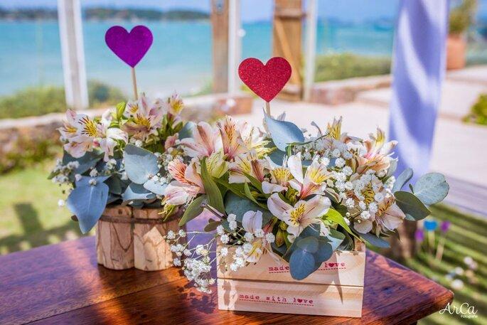 lindo arranjo casamento na praia