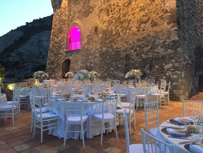 Torre La Cerniola - terrazza con allestimento banchetto