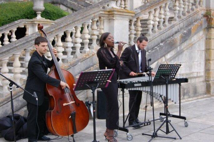 Poursuivez la magie, en gardant les musiciens pour le cocktail de votre mariage...