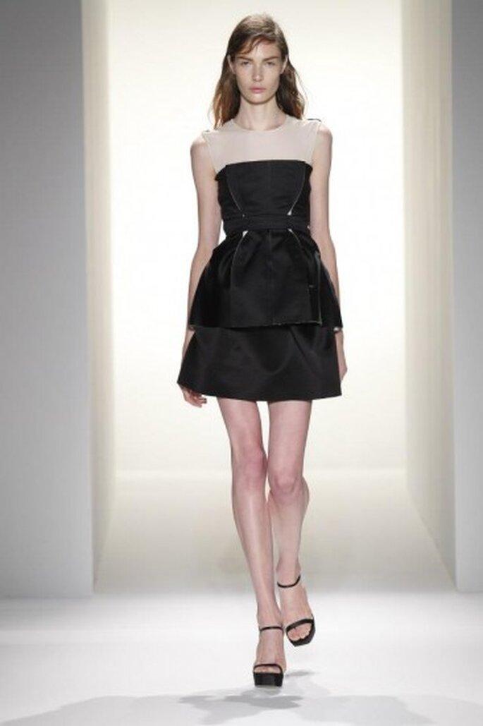 Vestidos para fiesta tendencias 2013. Foto de Calvin Klein vía Facebook.