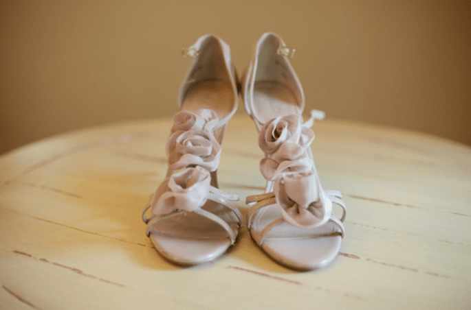 Zapatos de novia color nude. Fotografía Bianca Valentim
