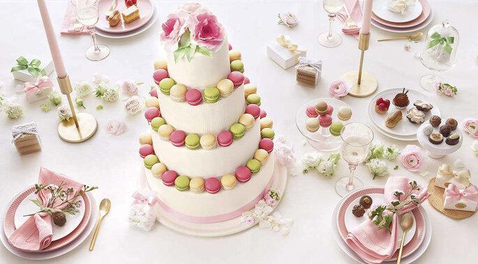 Confiserie Sprüngli Hochzeitstorte Macarons