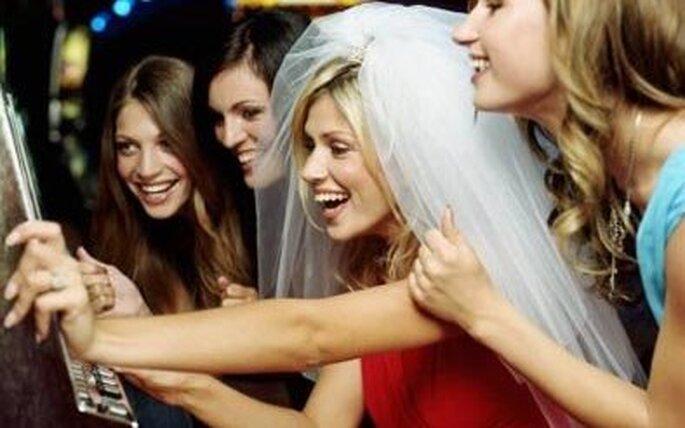¡Diviértete con tus amigas jugando en tu despedida de soltera!