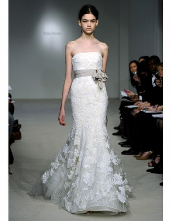 Lazos en la cintura para vestidos de novia. Foto: Vera Wang