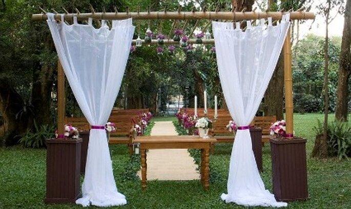 decoracao casamento ar livre:Bosque do Maison Saint Germain para fazer a cerimônia.
