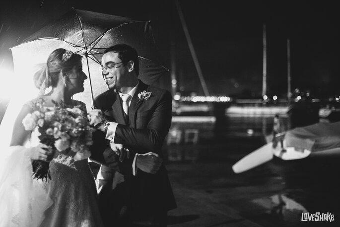 ensaio noivos chuva