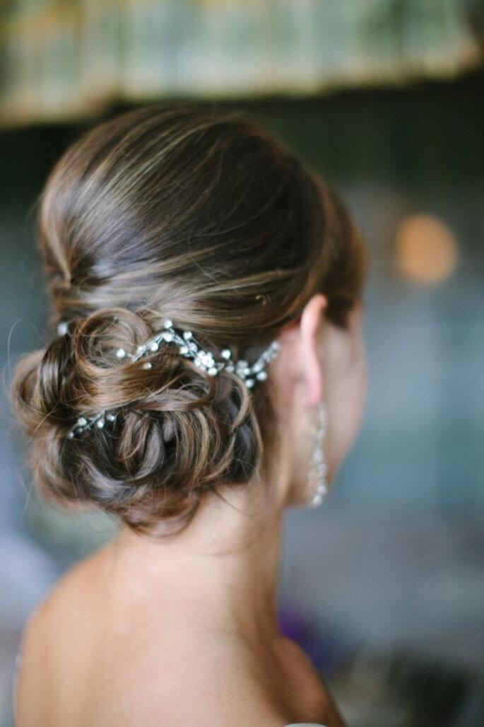 Peinados de novia recogidos con moño bajo