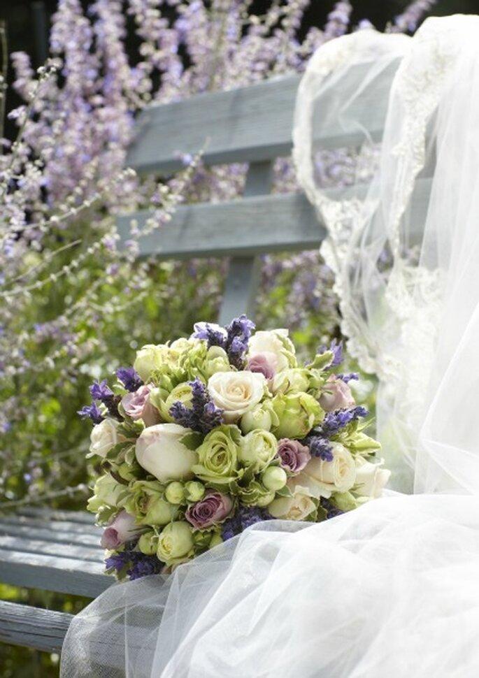 Envie d'une composition florale spécifique pour votre mariage ? - Photo : Au nom de la rose