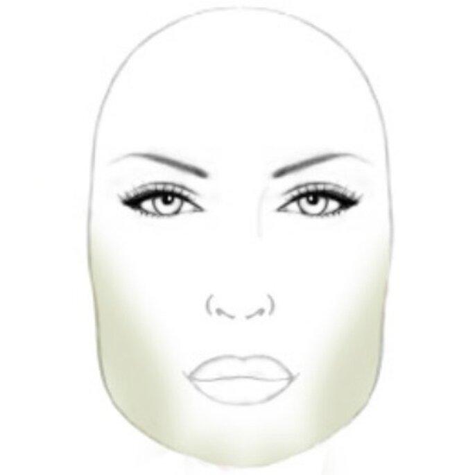 Visage carré : on allonge le visage en créant des ombres - Source photo : P. Matias