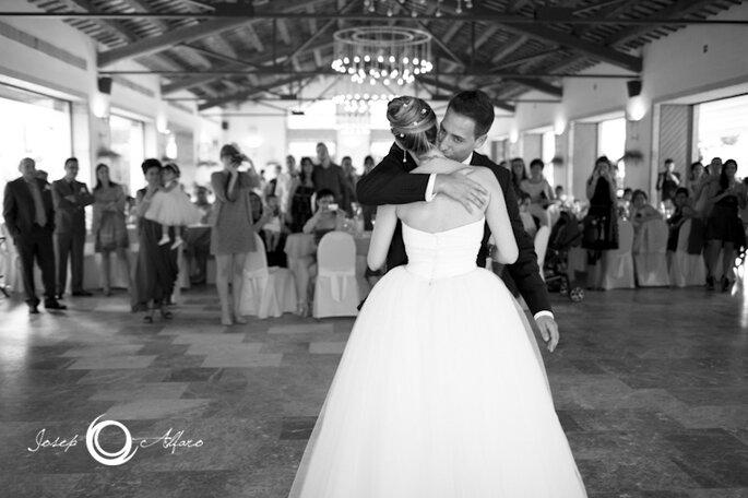 Primer baile de los novios. Foto: Josep Alfaro