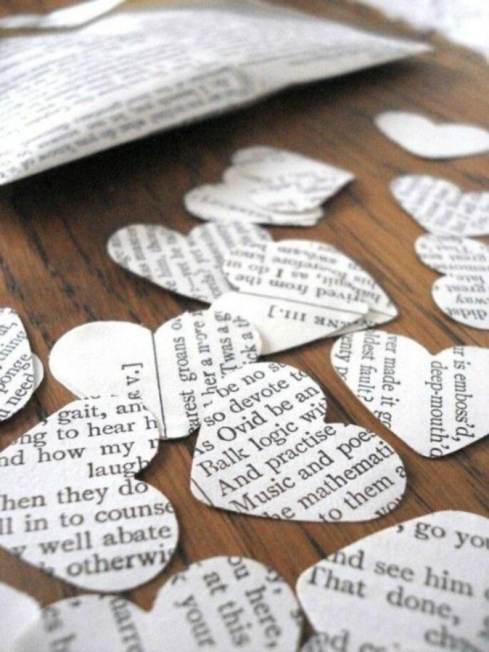 trozos de papel forma corazon