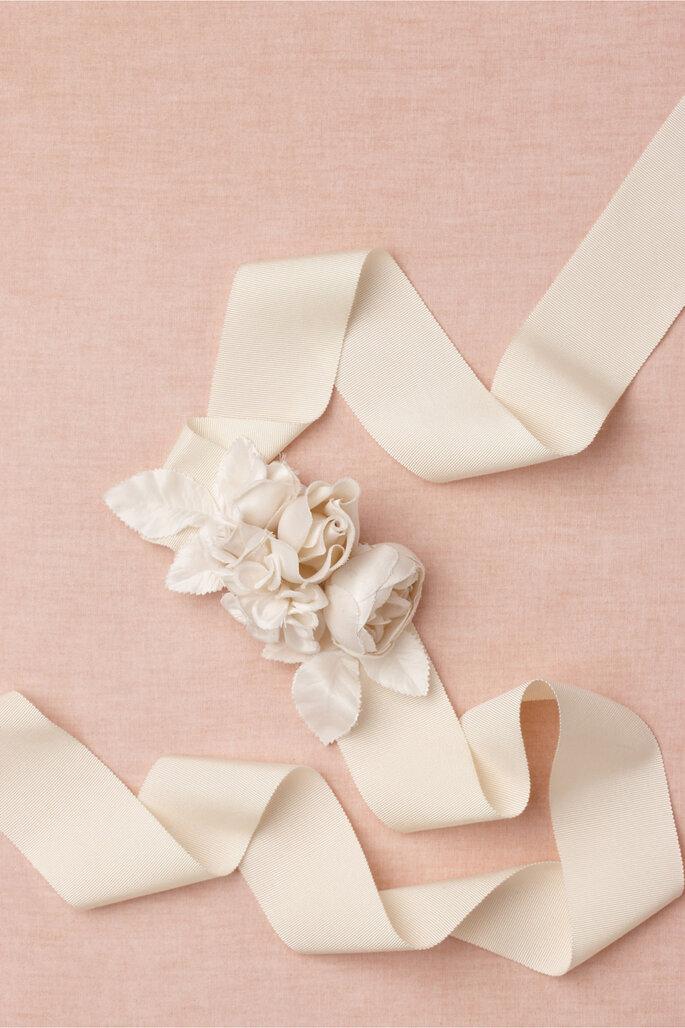 Cinturón para novia con apliques florales