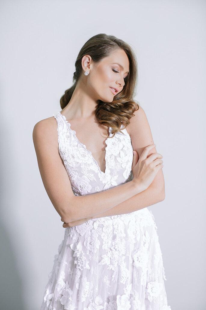 Decote V vestido de noiva