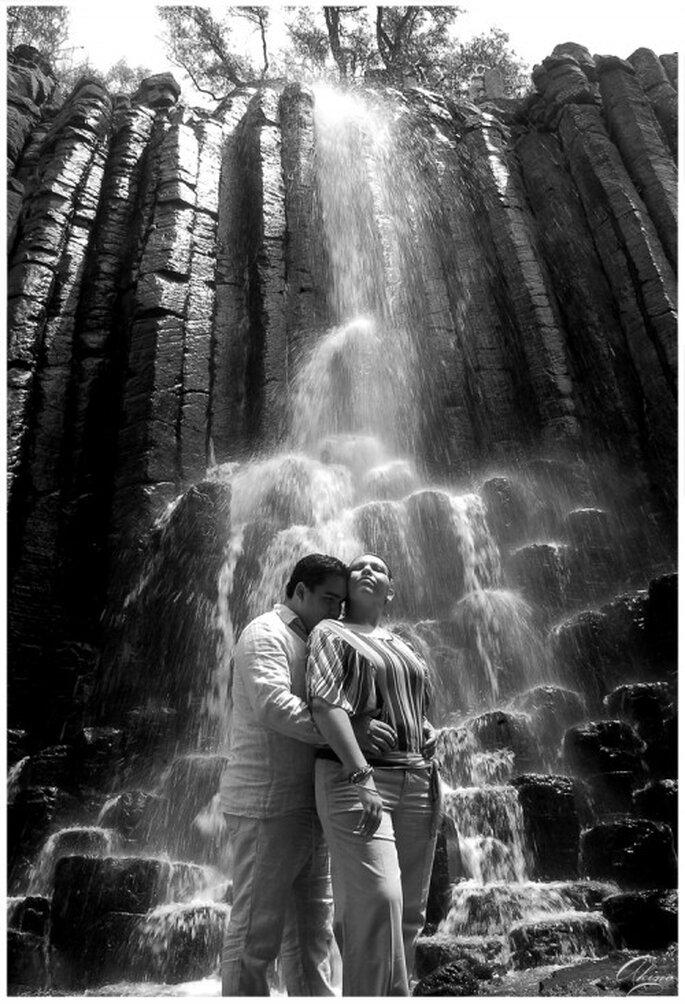 Fotografia de preboda en cascadas del Prisma Basáltico en Hidalgo - Foto Emmanuel Aquino