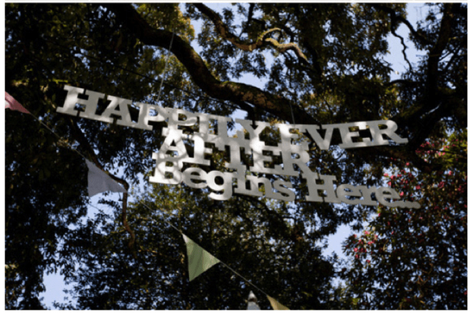Paper decorations for your wedding - Photo: Curtin Photography