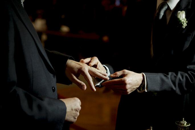 Intercambio de anillos en la ceremonia