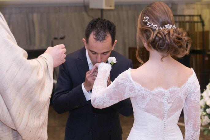 Vestido de noiva com manga de renda