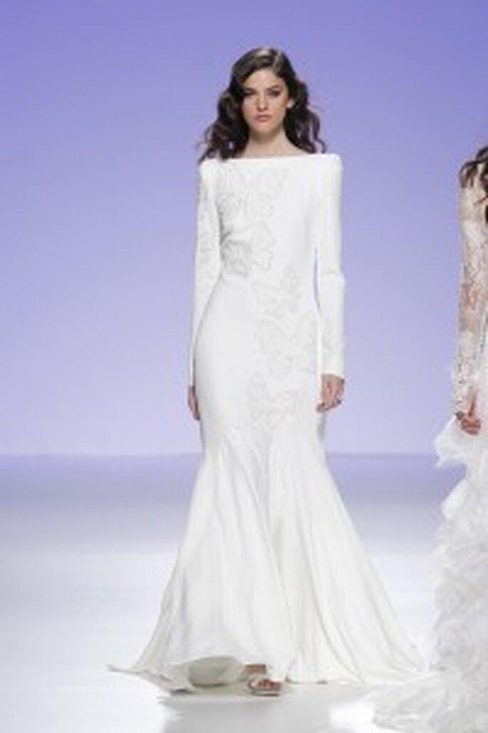 Robe de mariée longue, manches longues, Cymbeline pour Hanae Mori
