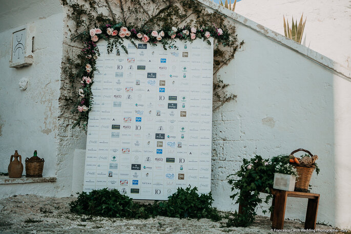 Il backdrop con tutti i loghi realizzato da Gemanco Design - Foto: Francesco Caroli Wedding Photographer