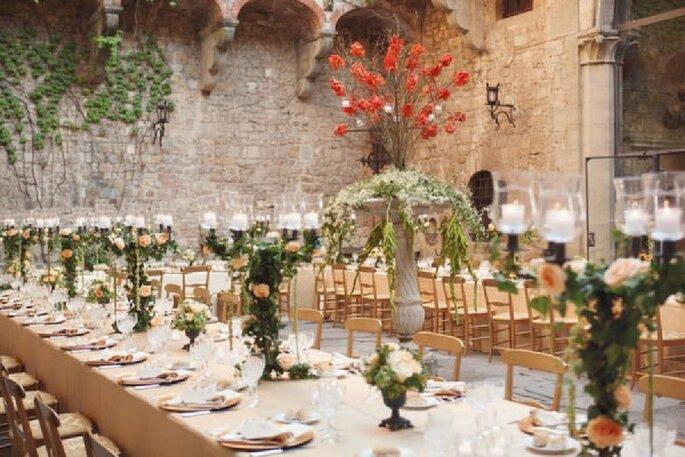 Una decoración de boda inspirada en un mágico jardín de flores - Foto Marisa Holmes Photography