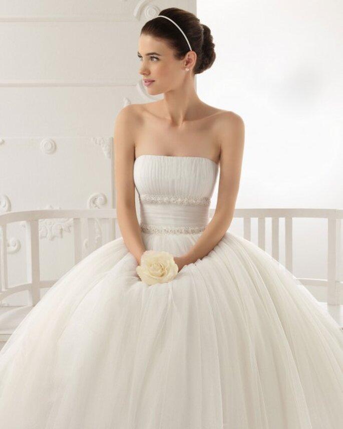 Vestido de novia escote palabra de honor - Foto Aire Barcelona