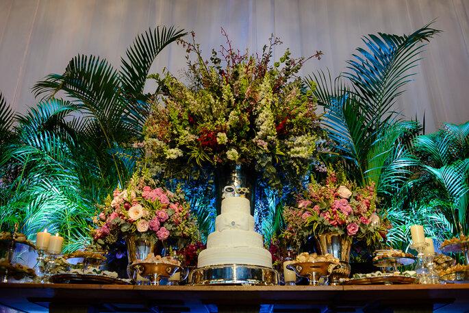 bolo luxuoso para casamento clássico