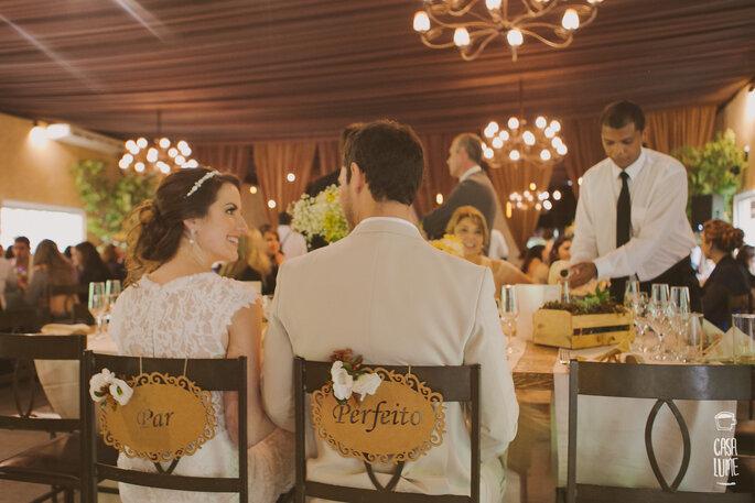 Casal no almoço