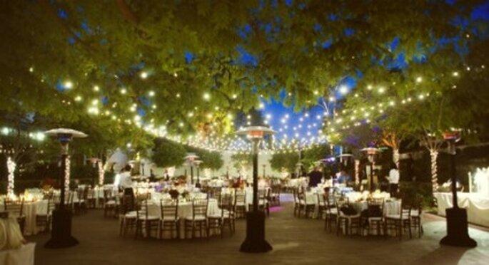 casamento jardim simples : casamento jardim simples:iluminação de lanternas para os casamentos que duram até a noite.