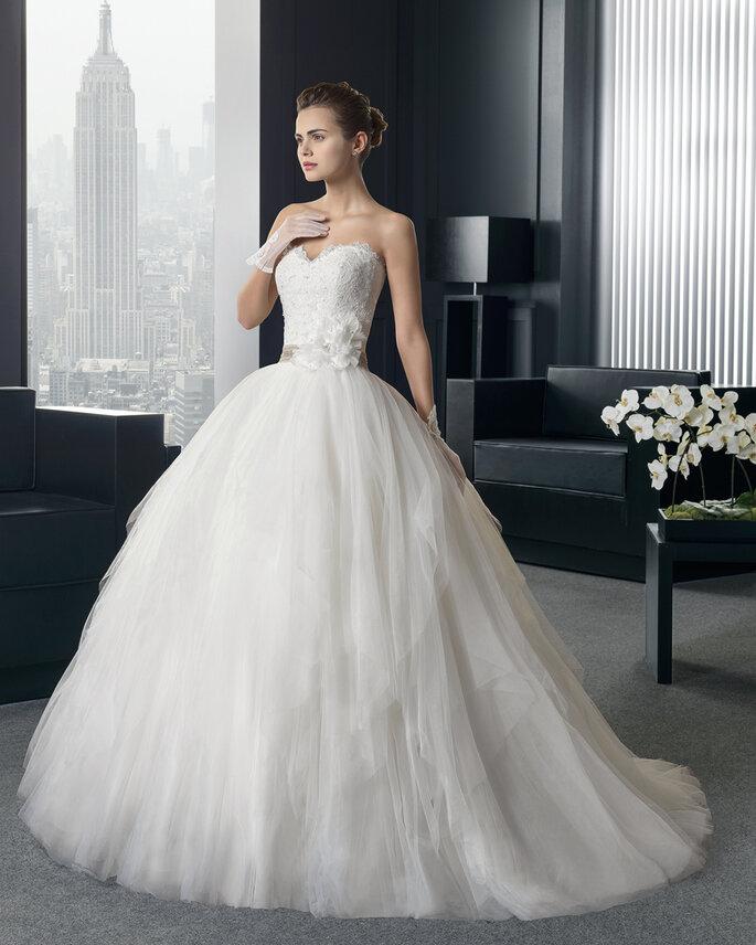 Entdecken Sie die Brautkleider der Kollektion Two 2015 von Rosa Clará