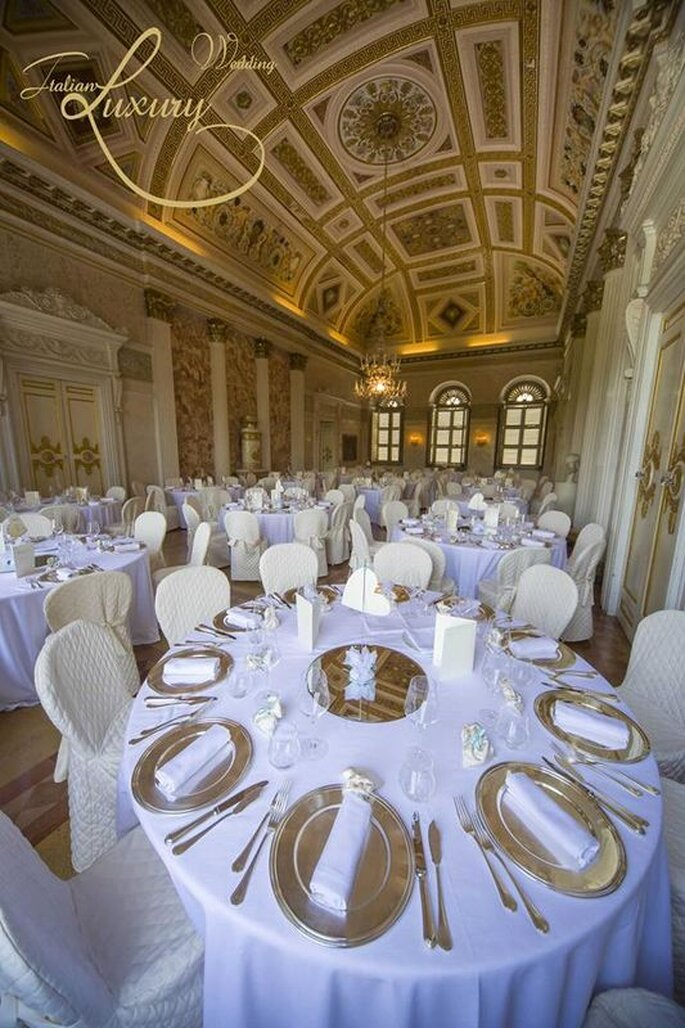 Italian Wedding Luxury - une superbe salle de réception agencée par Italian Wedding Luxury en Italie