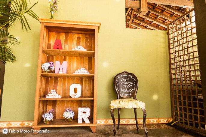 Armário para decoração rústica em madeira