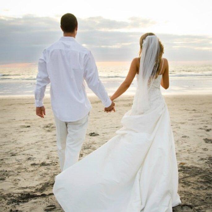 Disfruta de preciosas playas - Fotografía: www.sposalicious.com