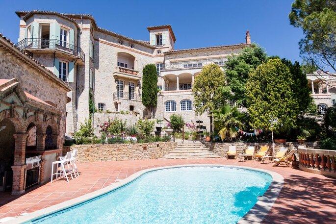 Le Château des Costes - plage - sud -paca - mariage à la plage - mer méditerranée - couple