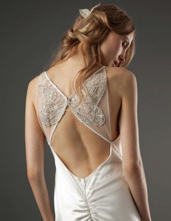 Vestido de novia con escote en la espalda - Foto Elizabeth Fillmore