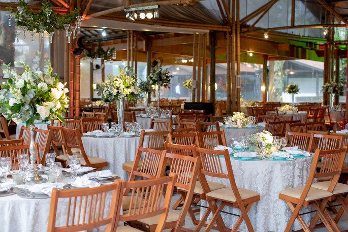 Local da cerimônia e da festa: Casa Bela Buffet e Eventos - Foto: Buzetti - Fotografia e Filme