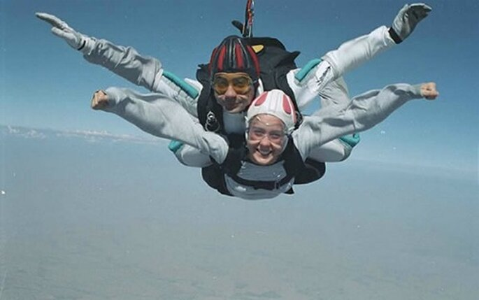 Un volo con il paracadute è un sogno di molti. Foto www.sportestremo.com