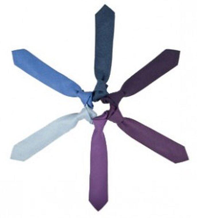 Corbatas de diferentes colores de SOLOiO