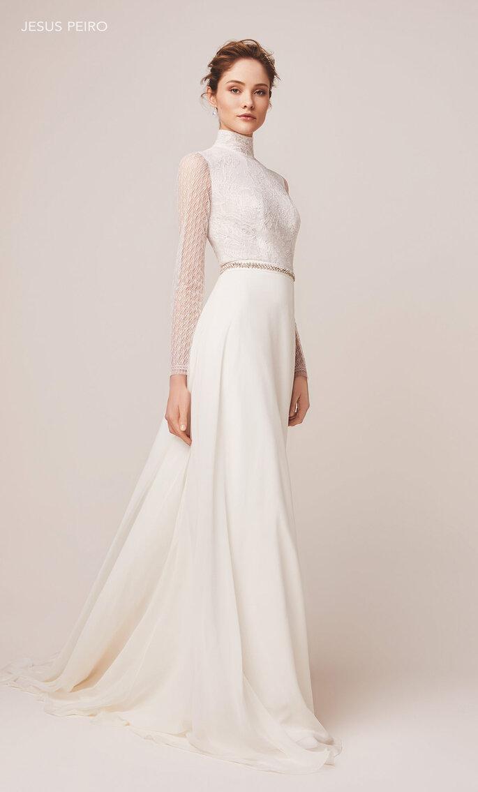Vestido de novia cuello cisne línea A y mangas larga con encaje