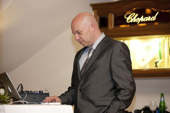 DJ Bischoff