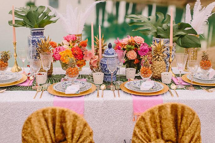 Majestuosos centros de mesas con grandes arreglos florales. Foto: Danielle Capito