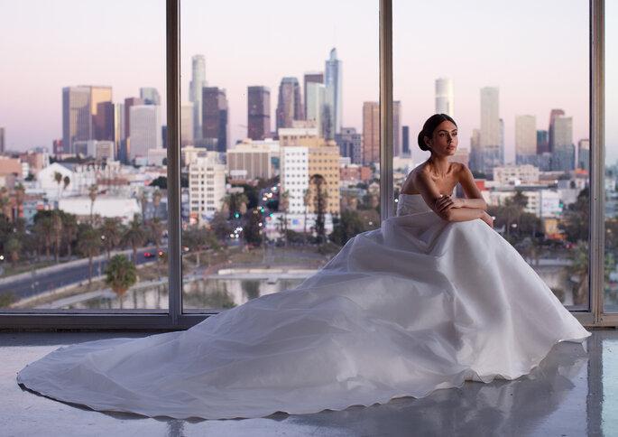 Vestido de noiva Princesa | Modelo Haver da Pronovias 2021 Cruise Collection